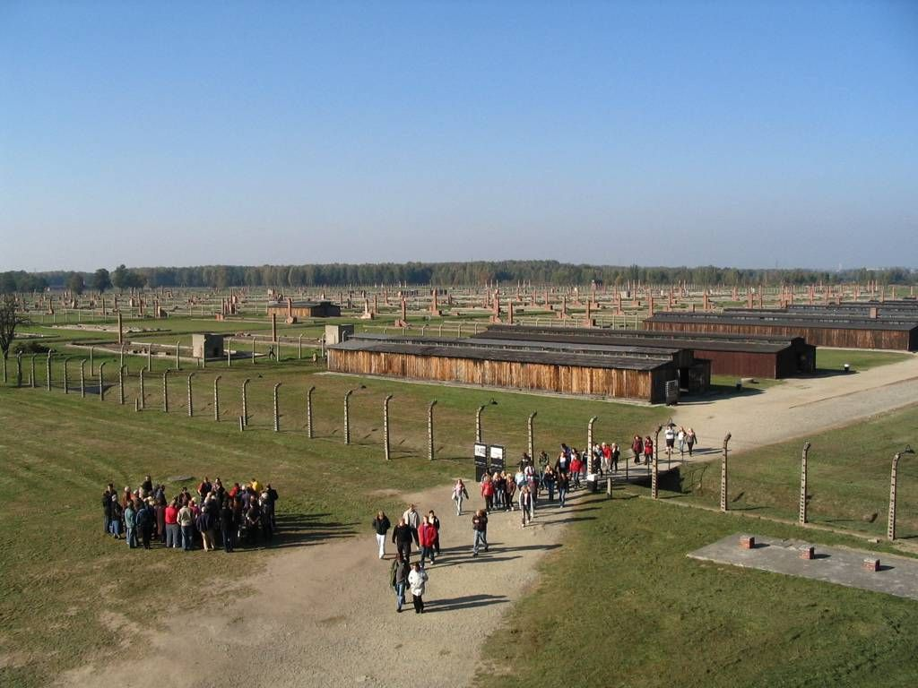 Auschwitz tours from Krakow
